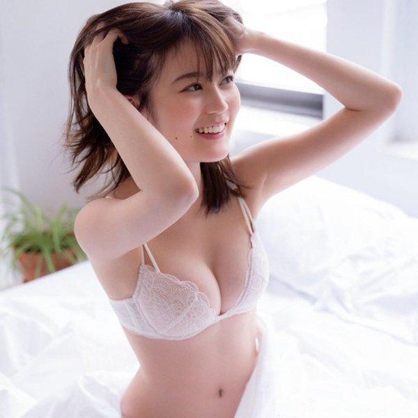童顔アイドル美巨乳、生田絵梨花 (1)