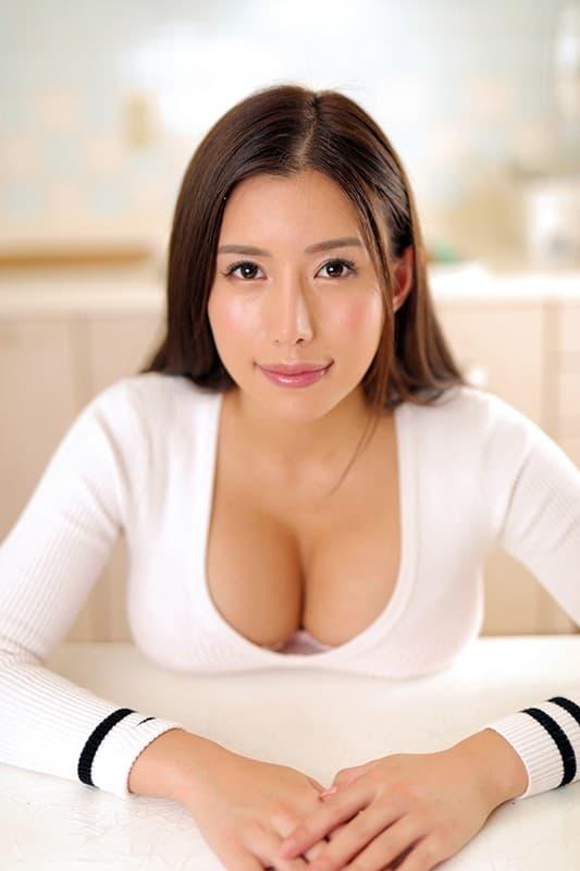 巨乳で巨尻な美女の淫乱SEX、永井マリア (15)