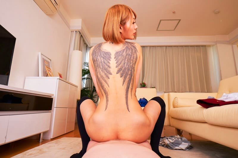 全身タトゥーの美女が摩天楼SEX、佐藤エル (14)