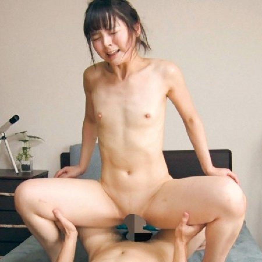 パイパン美少女の豪快SEX (1)