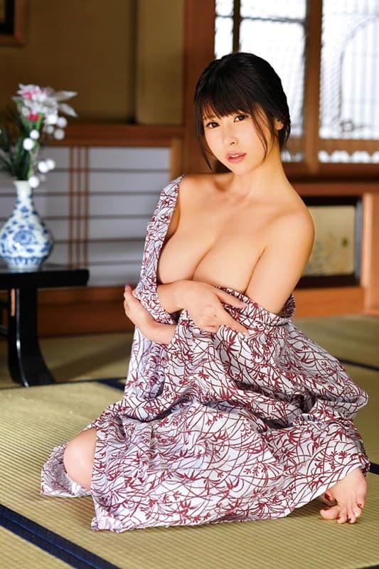 爆乳美女の淫乱SEX、椎葉みくる (7)