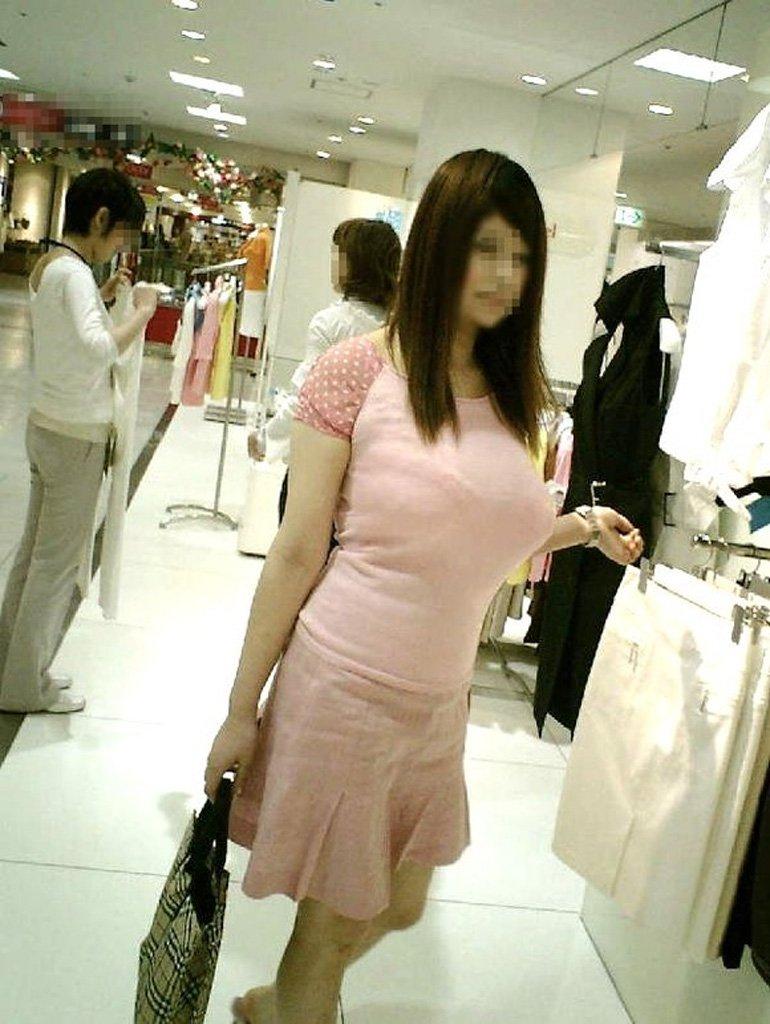 着衣巨乳の爆乳女子 (13)