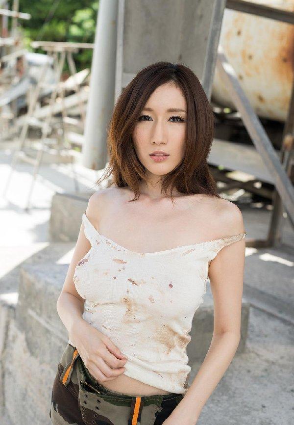 爆乳美女の豪快SEX、JULIA (2)