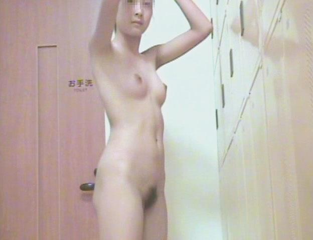 女湯で脱衣中の素人女性 (19)
