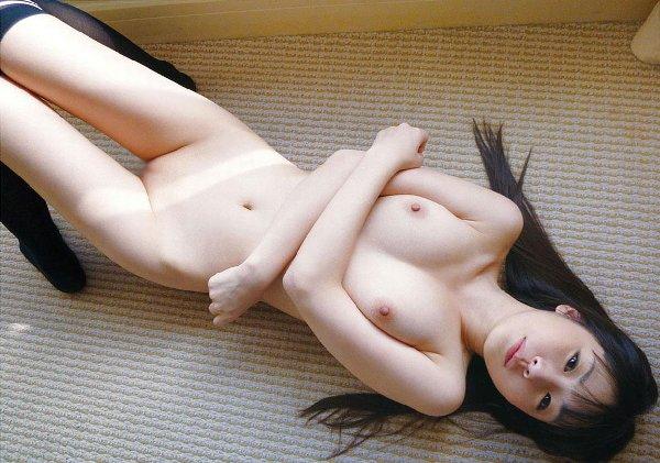 パイパン美少女のヌード股間 (11)