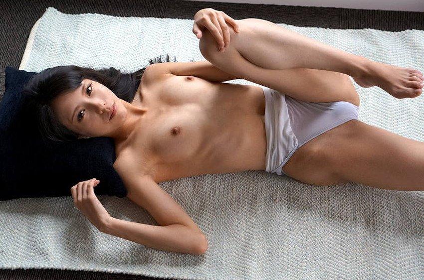華奢で美巨乳のナイスバディ美女 (16)