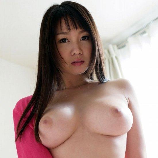 華奢で巨乳の美女が淫乱SEX、夢乃あいか (1)