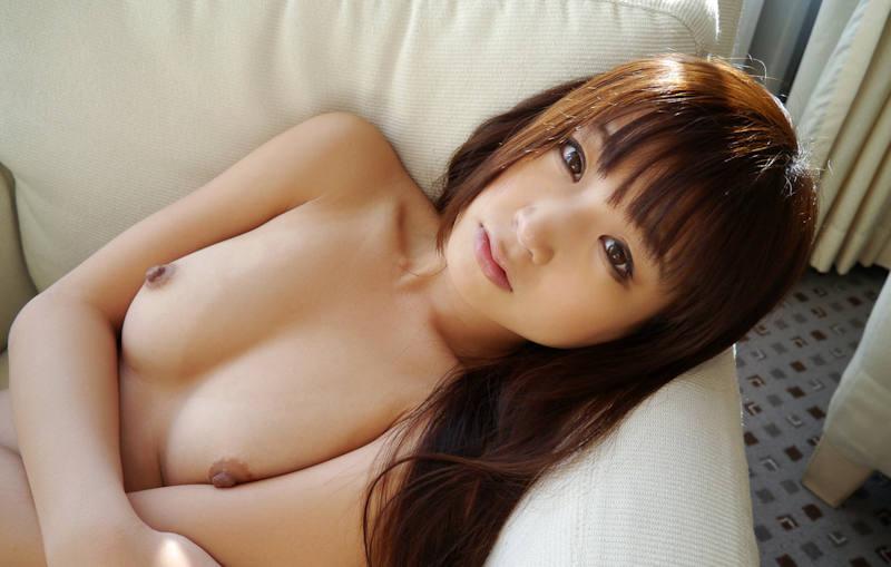 若く見える童顔美少女のヌード (13)