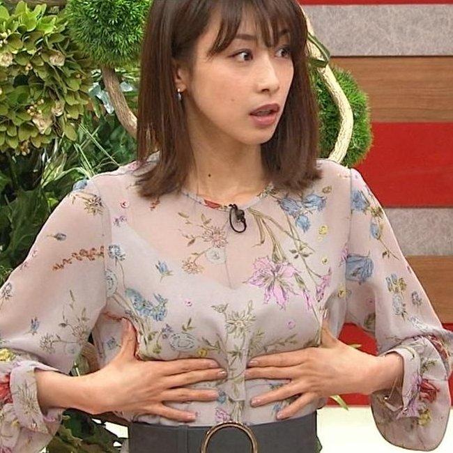 清楚な女子アナのセクシーな巨乳 (1)