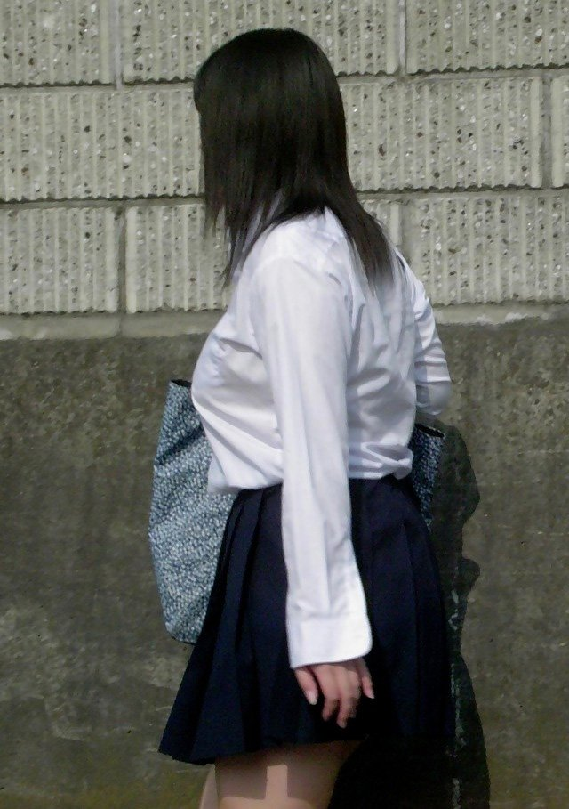 街で出会った着衣巨乳の素人女子 (19)
