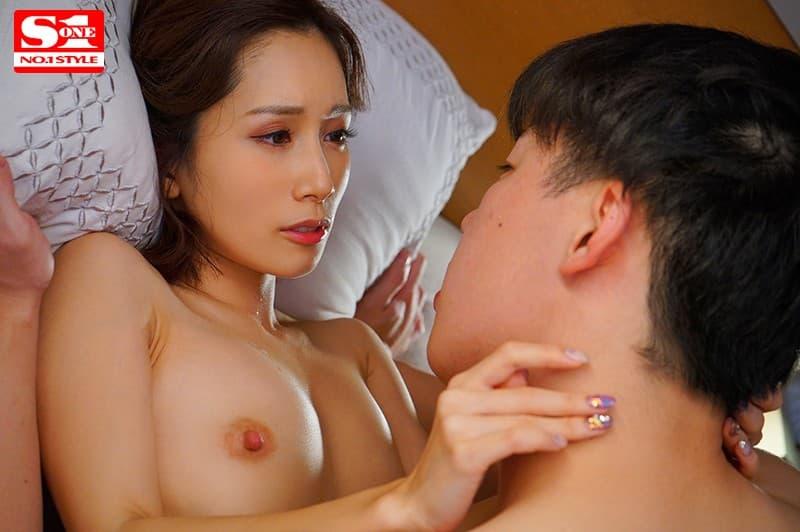 小柄な美女の豪快なSEX、小島みなみ (14)