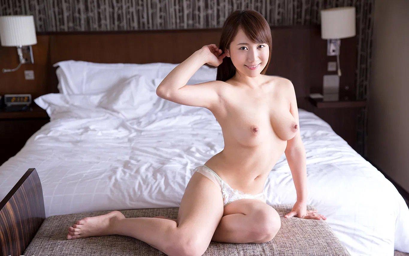 巨乳美女の騎乗位SEX、倉多まお (5)