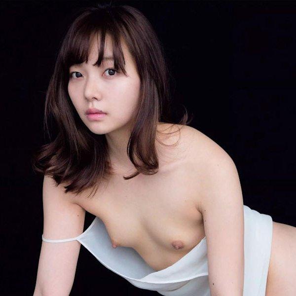 ヌード美少女の貧乳や微乳 (1)