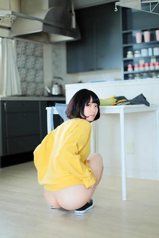 童顔貧乳な美少女の潮吹きSEX、日泉舞香 (4)