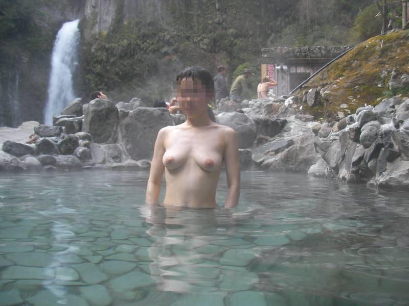 友達の入浴ヌードを撮影しちゃう (7)