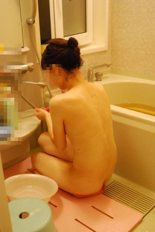 入浴中な素人ヌード (18)
