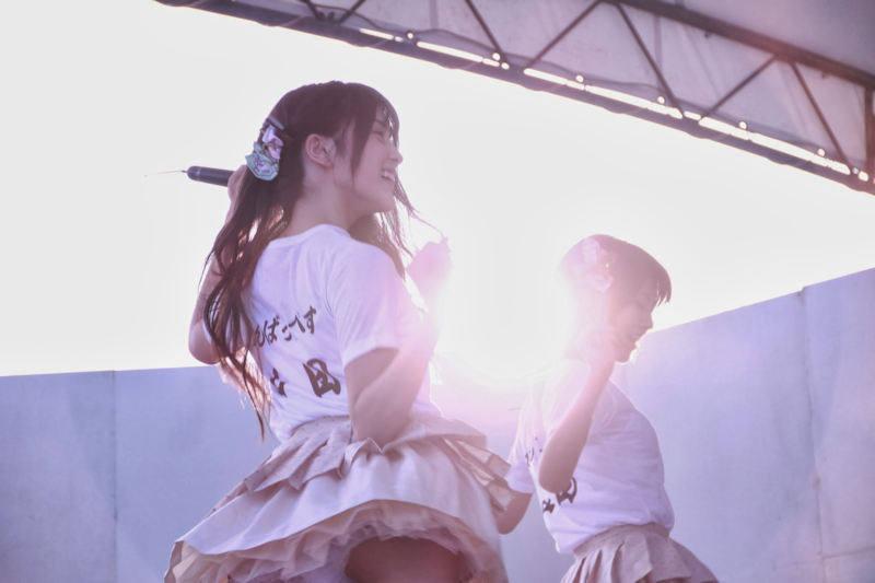 アイドルのライブでパンチラ (3)
