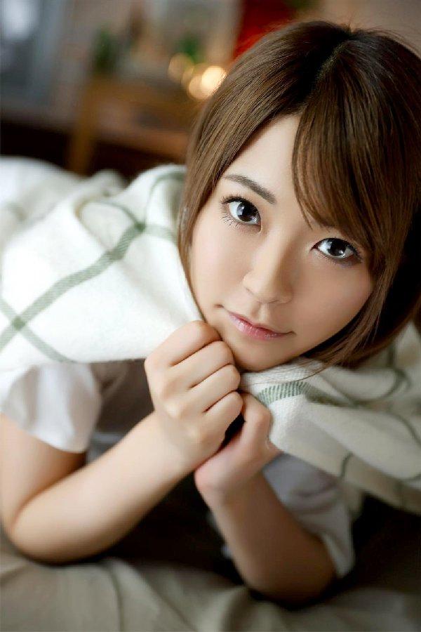 キラキラ笑顔の美少女が潮吹きSEX、東條なつ (2)