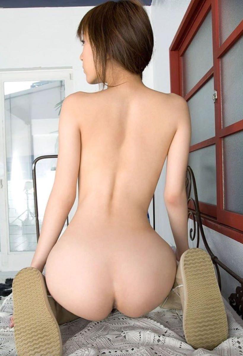 美尻とクビレの曲線美 (16)