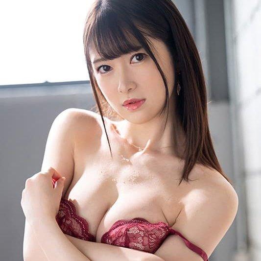 モデル系美女のトランスSEX、結城るみな (1)