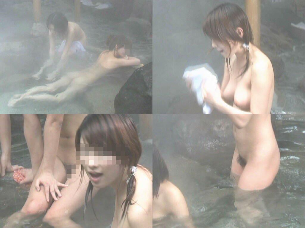 素っ裸で風呂に入ってる素人女子 (12)