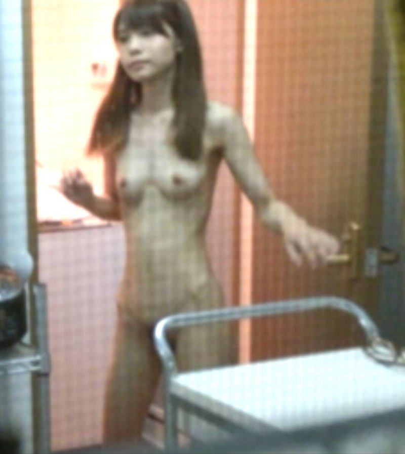 民家の部屋や風呂場で裸になる素人女子 (20)