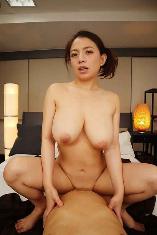 巨乳人妻の妖艶SEX、織田真子 (19)