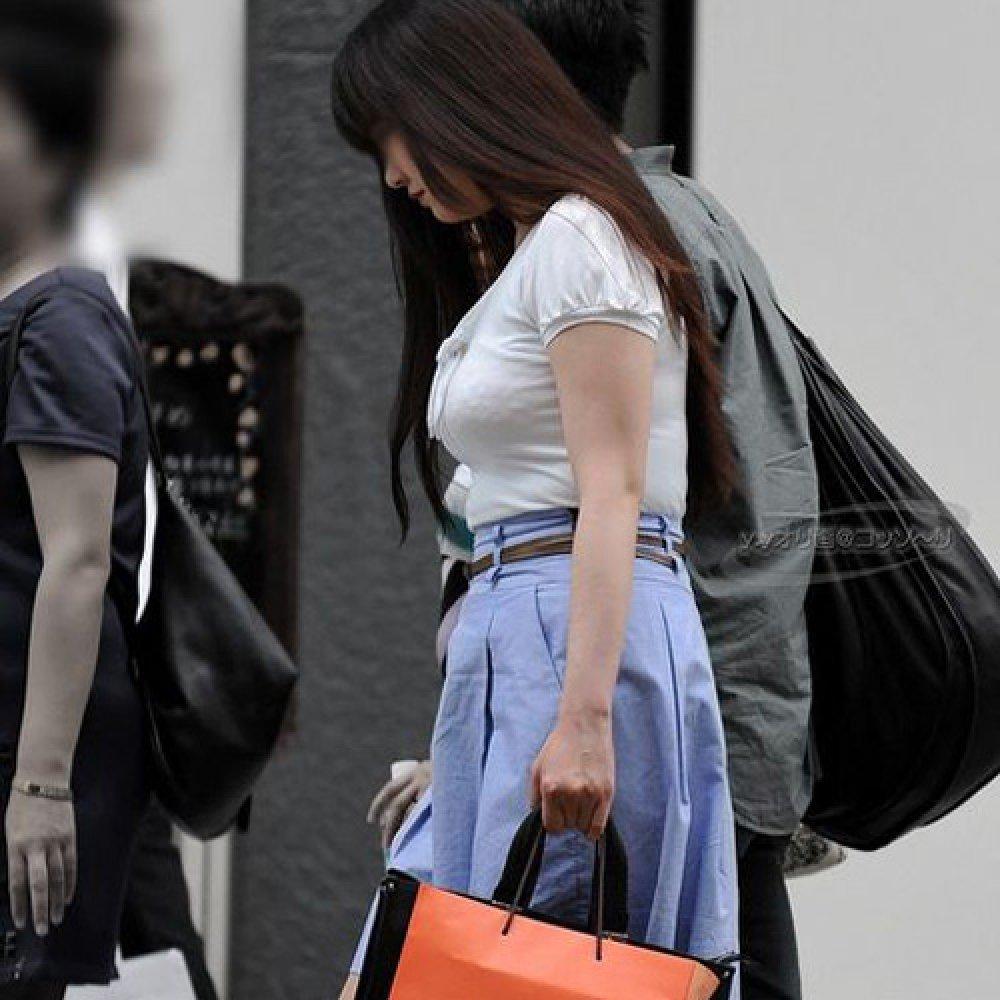 着衣巨乳が目立ちまくる素人女子 (8)