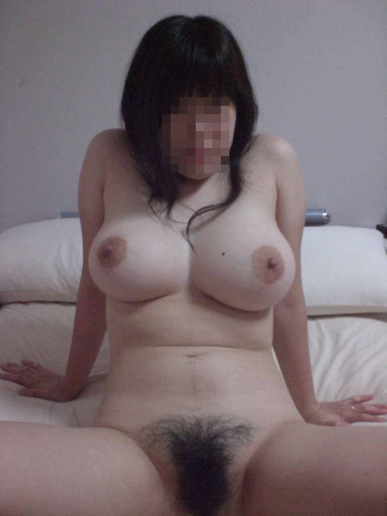 巨乳の素人女性のヌードを撮影しちゃった (15)