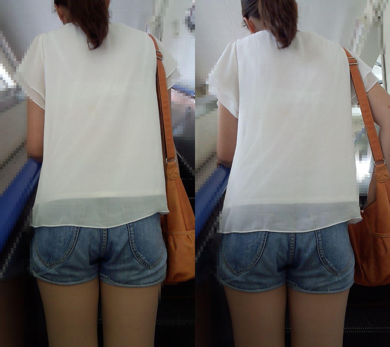 街で発見した透けブラ女性 (8)