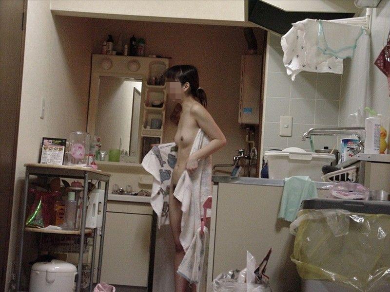 素人女子の湯上がりヌード (15)