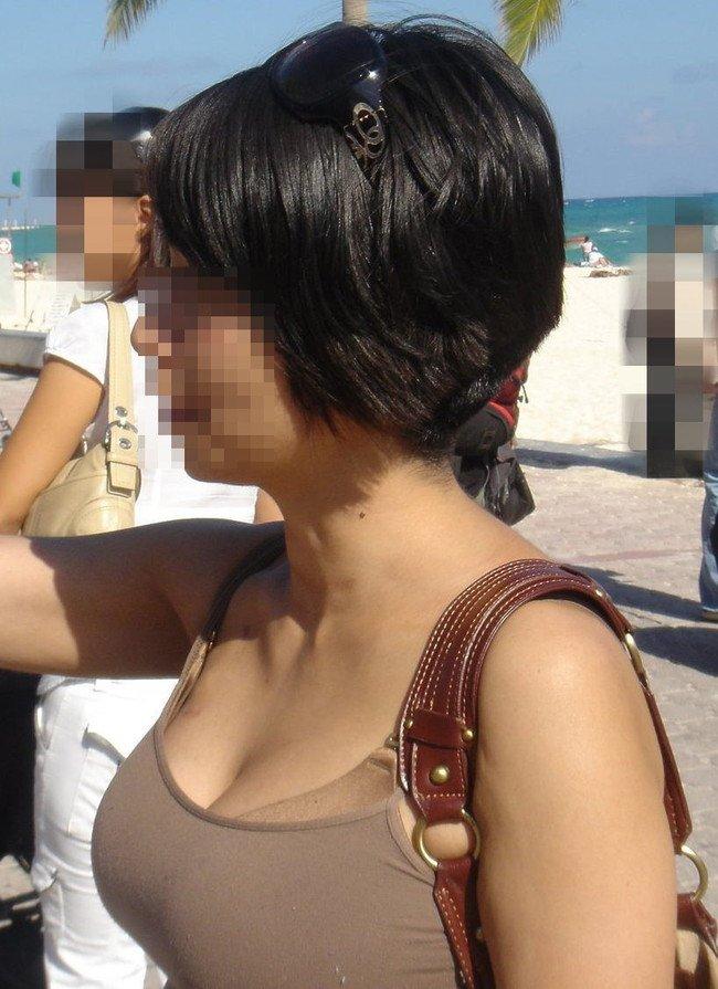 子連れや人妻の着衣巨乳 (2)