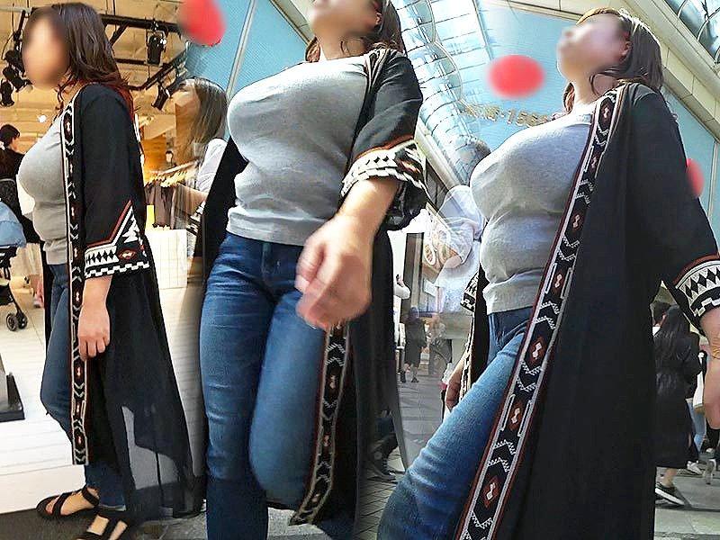 子連れや人妻の着衣巨乳 (13)