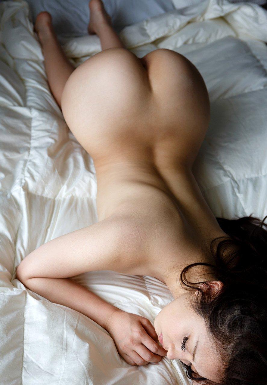腰のクビレと尻が美しい (6)