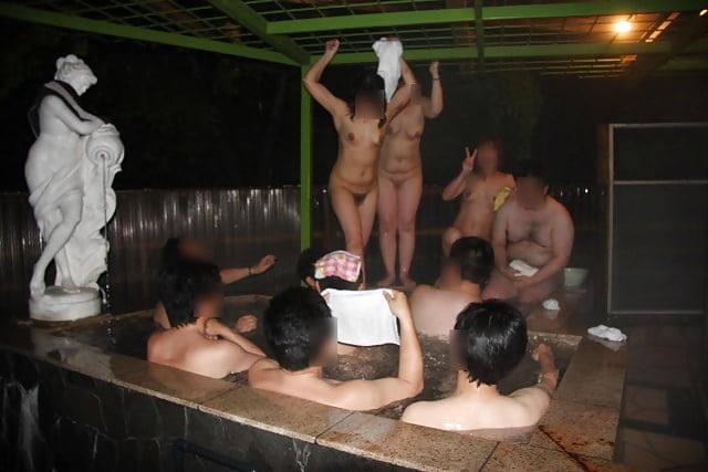 悪ノリして入浴中の素人ヌードを撮っちゃった (5)