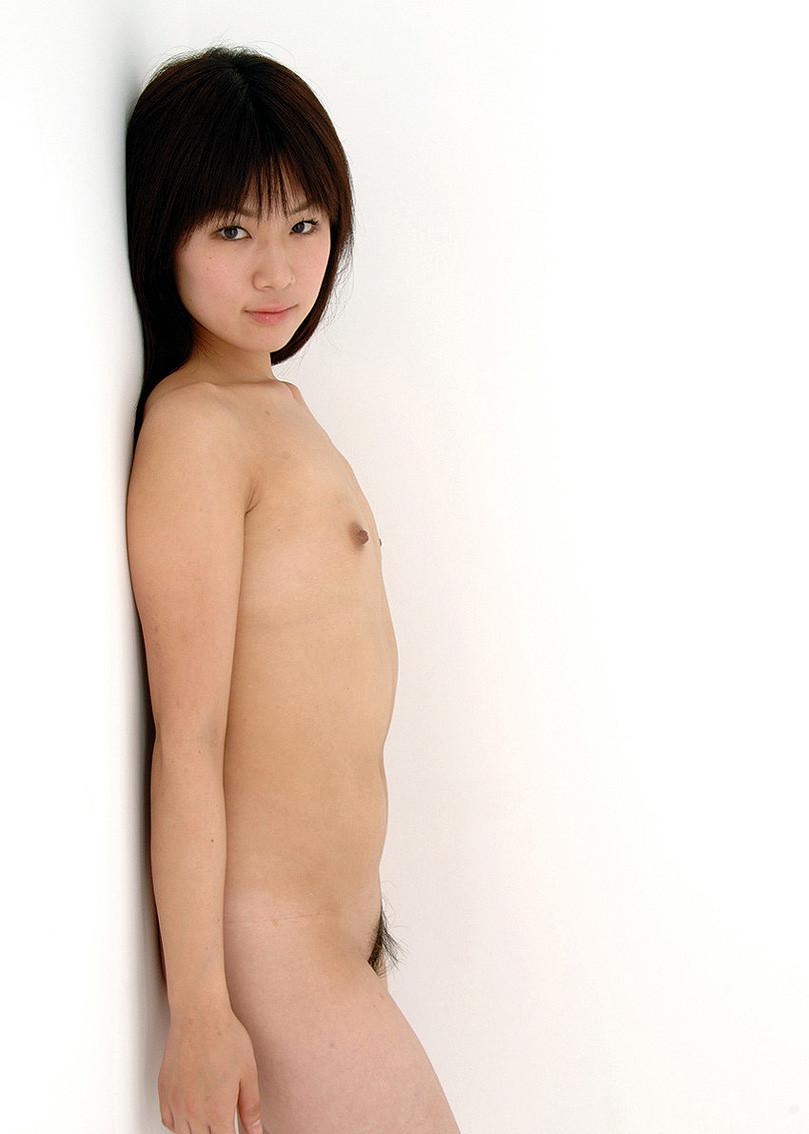 貧乳や微乳の華奢な女性たち (4)