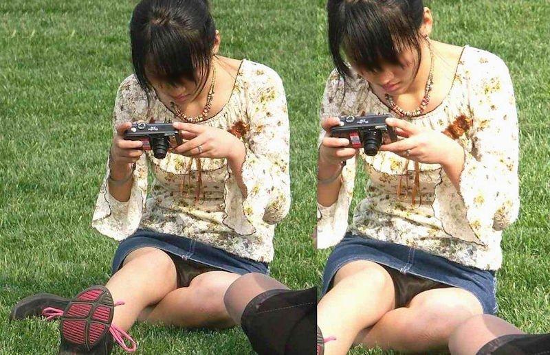 公園でパンチラしまくる素人女子 (13)