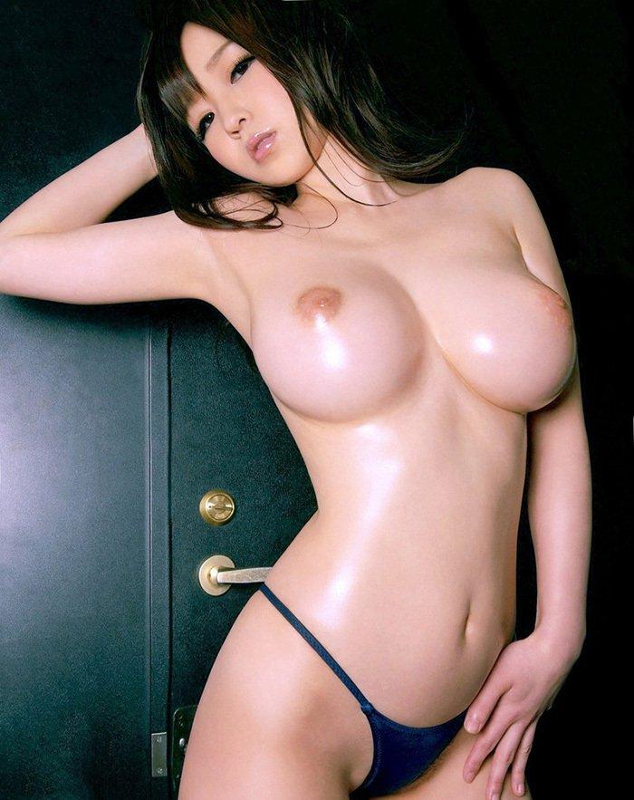 スレンダー美巨乳の美女 (12)