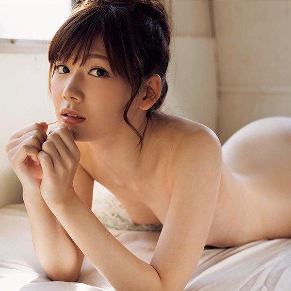 【明里つむぎ】アイドルみたいな貧乳美少女のスケベな中出しセックス