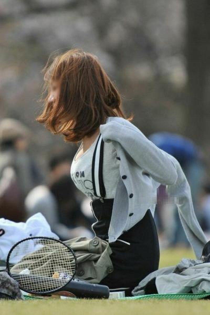 着衣巨乳の迫力あるデカパイ (5)