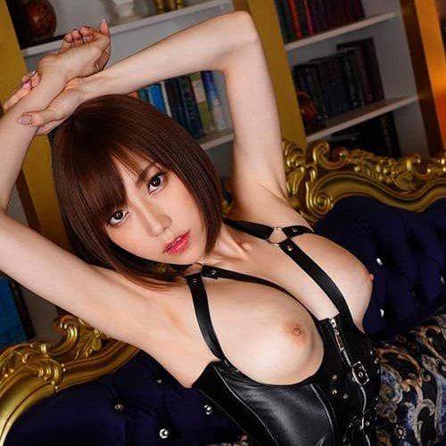 筋肉質な美女の豪快なSEX、七海ティナ (1)