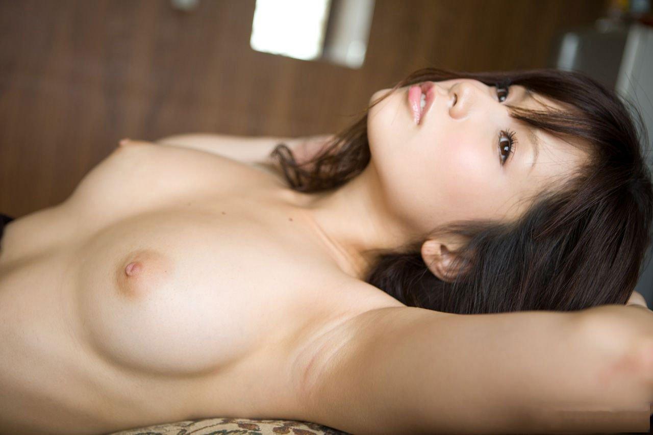 横から見た美乳 (13)