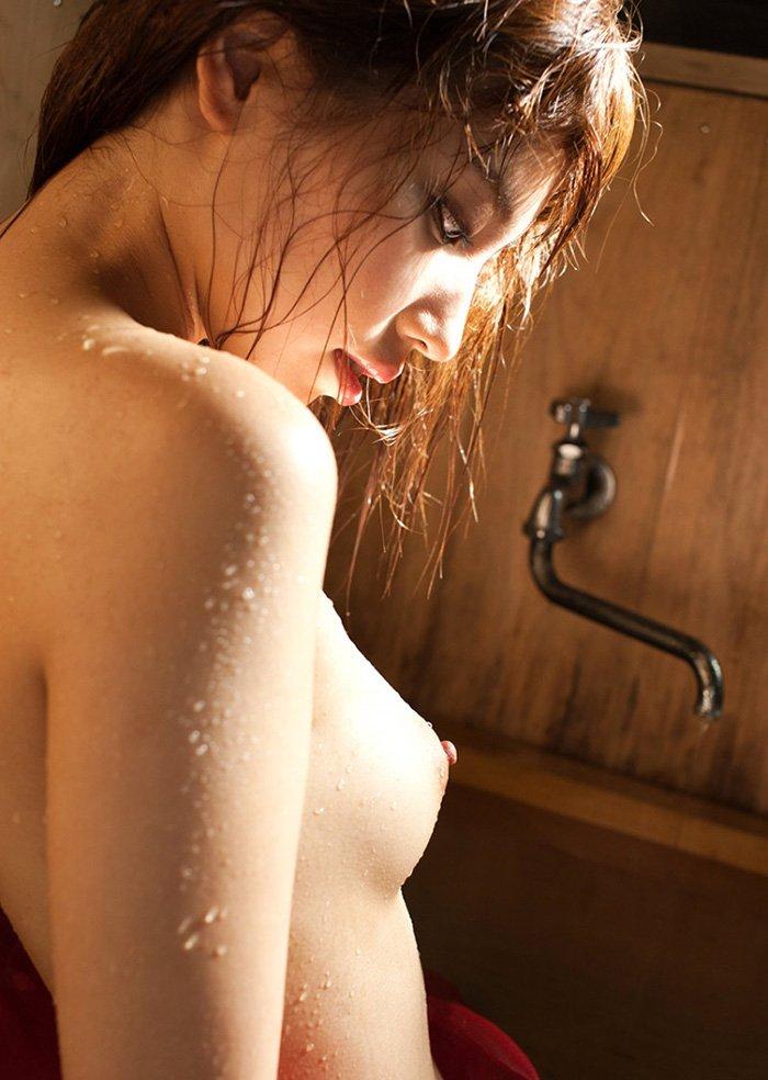 横から見た美乳 (6)