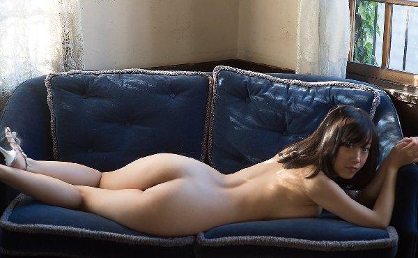 ヌード美尻の曲線美 (14)