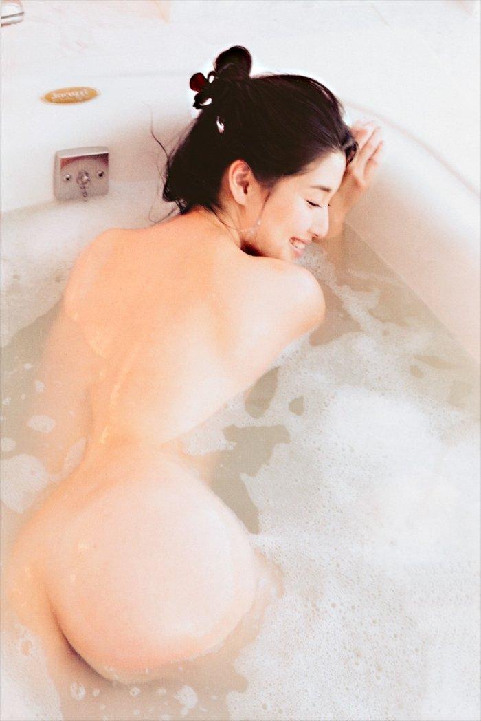 橋本マナミの生尻 (15)