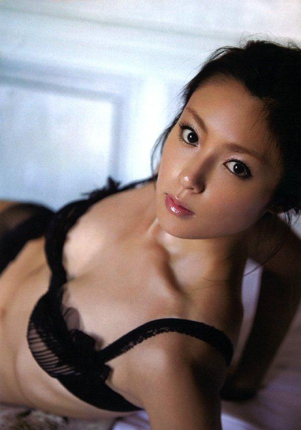 芸能人のランジェリー姿 (8)
