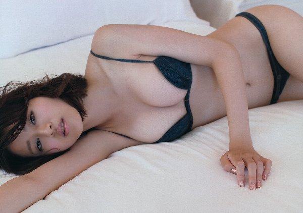 芸能人のランジェリー姿 (4)