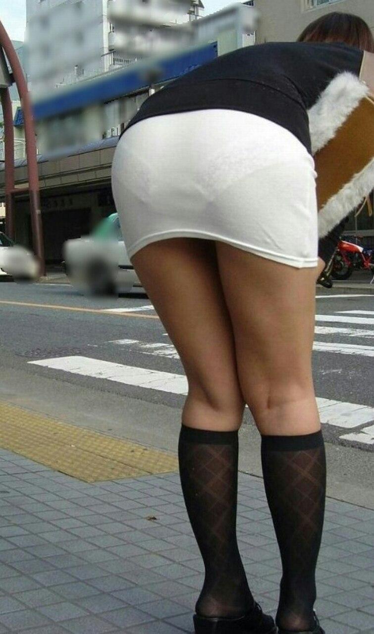 パンツが透けまくりな素人女子 (6)