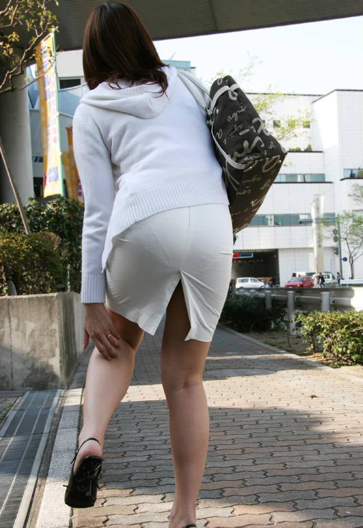 パンツが透けまくりな素人女子 (17)