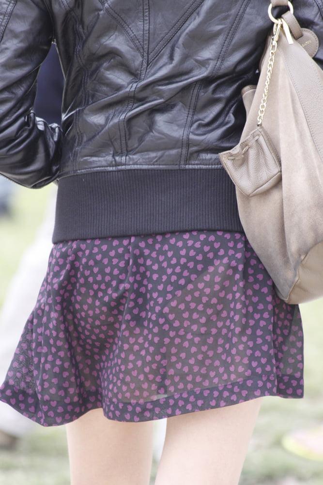 パンツが透けまくりな素人女子 (16)
